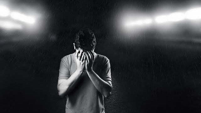 絶望を感じる人