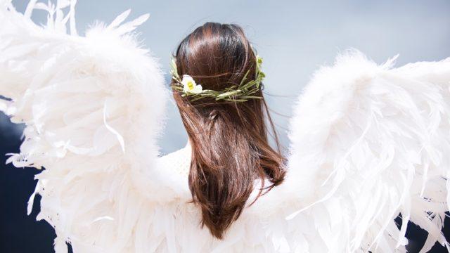 後ろ姿の天使