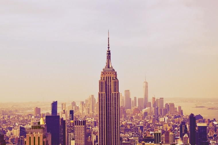 エンパイア・ステート・ビルとニューヨークのビル群